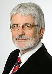 Dr. rer. nat., Dipl. Chem. Gerald Henkel