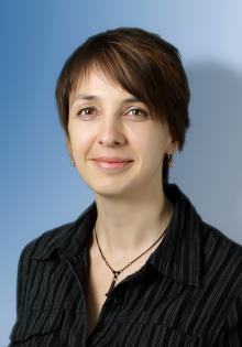 Claudia Decker