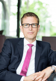 Dr. Stephan Schmeken