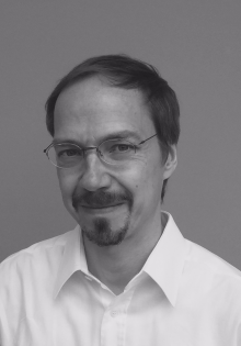 Dr. Henning Peucker