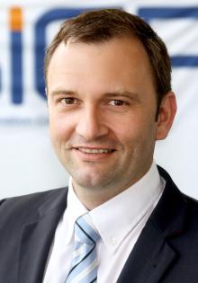Dr. Stefan Sauer