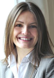 Dr. Marta Famula