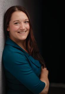 Dr. Anne Foerster