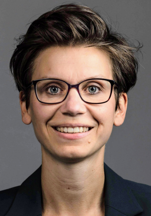 Dr. Julia Gruhlich