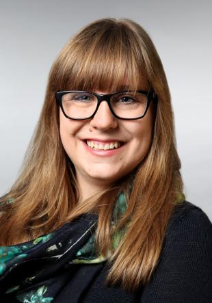 Laura Speer