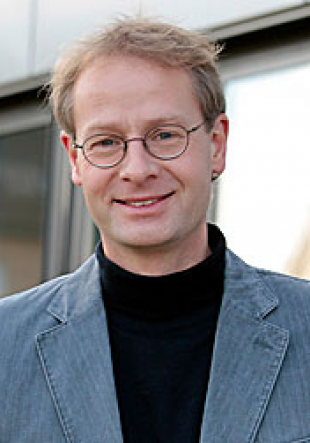 Manfred Hammer