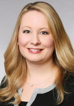 Dr. Julia Hüllweg