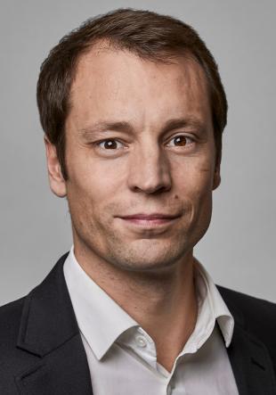 Vertr. Prof. Dr. Florian Hoof